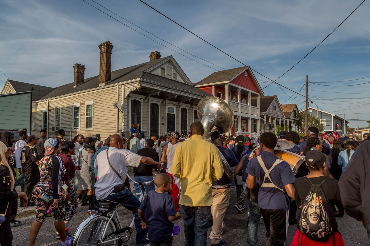 Discovering true New Orleans on a Sunday bar crawl