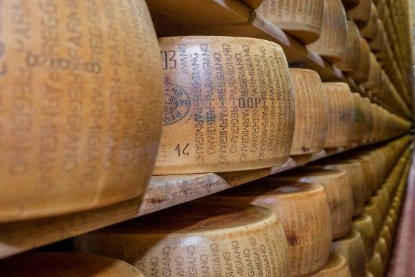 Parmigiano reggiano storage