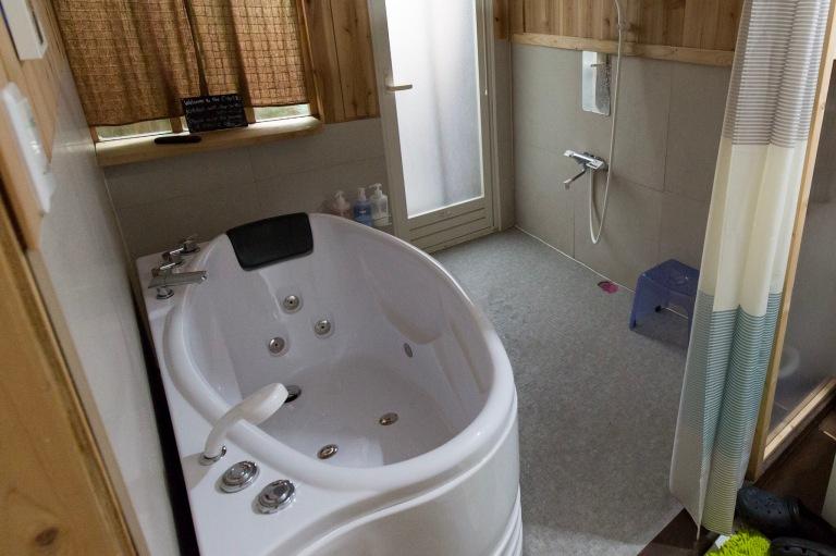 Jaccuzzi bath in Kyoto AirBnB home
